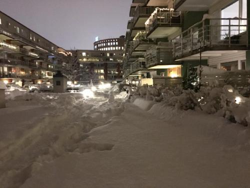 Snö på innergården